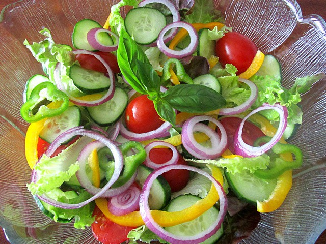 Salade composee a la mode americaine 640x480